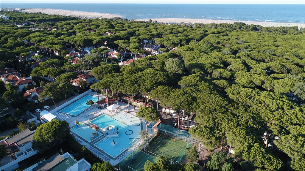 Mare E Pineta International Camping -